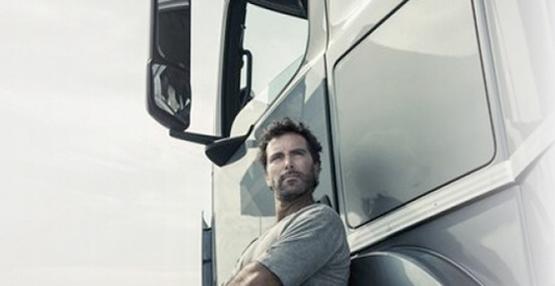 chi-siamo-uomo-camion